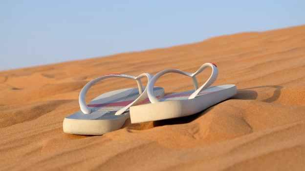sandals-flip-flops-footwear-beach-40737.jpeg